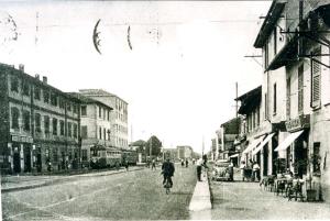 lo studio di via Cislaghi, 1 (sulla sinistra) quando a Precotto passava il tram